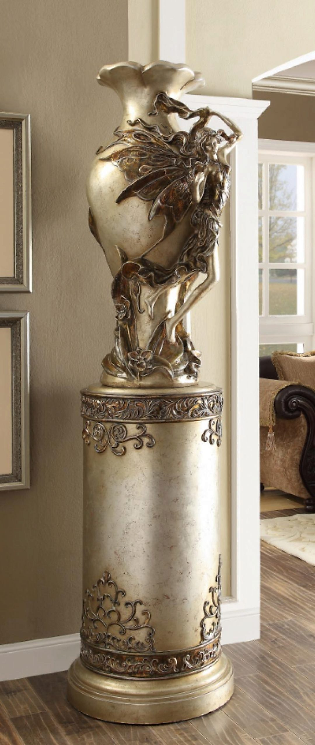 Traditional Luxurious Royal HD-1509 Flower Pedestal by Homey Design