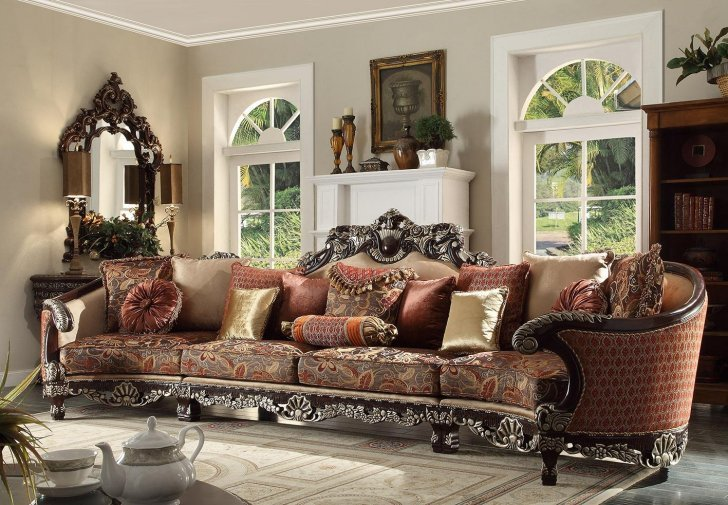 Hd 111 Traditional Sectional Sofa In