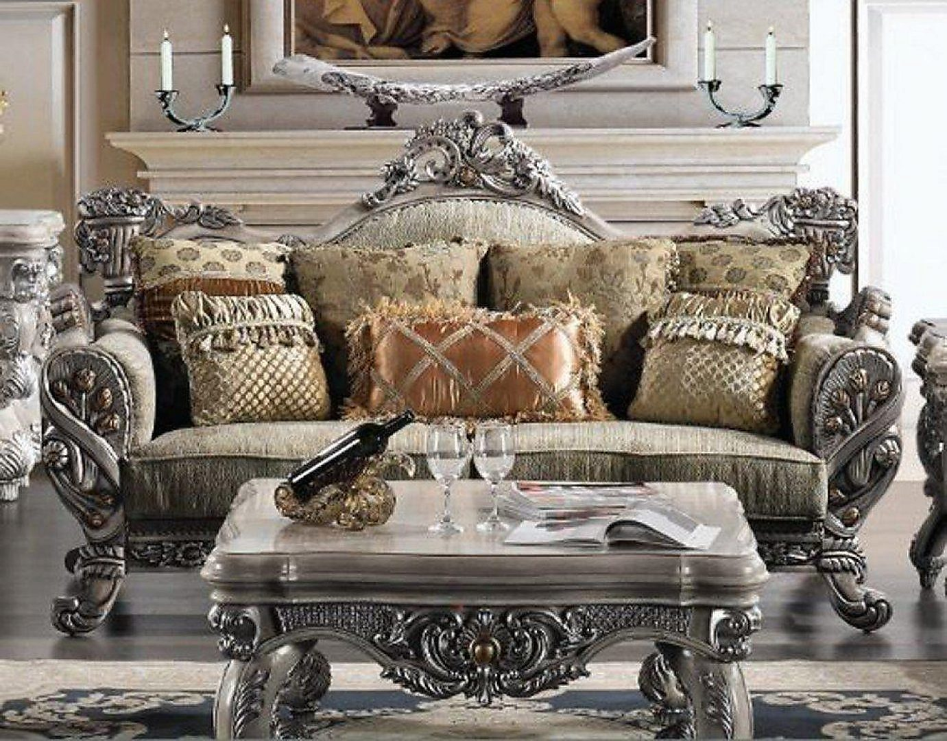 Traditional Carved Hd-272 Sofa in Silver by Homey Design