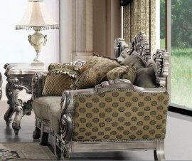 Traditional Carved Hd-272 Loveseat in Silver by Homey Design