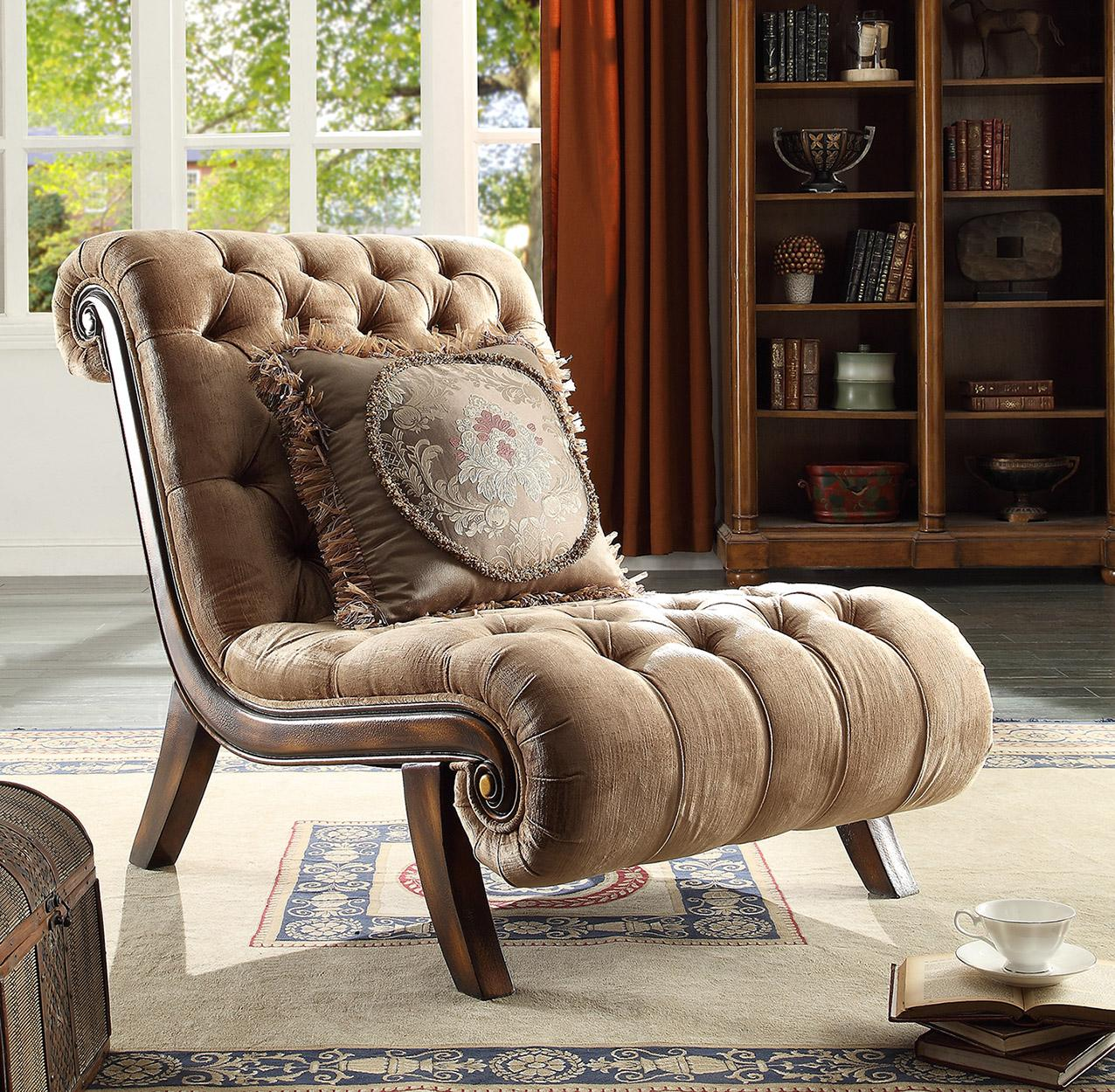 Traditional Luxury Caramel HD-1631 Chair in Caramel by Homey Design