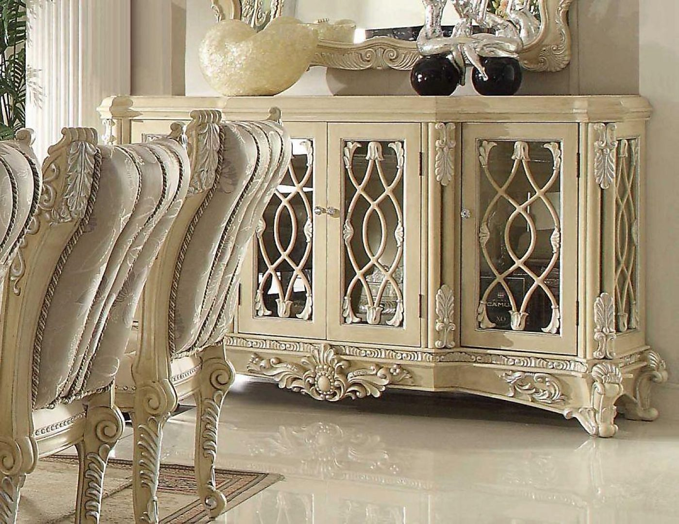 Traditional Luxurious Royal Antique HD-5800-B Buffet by Homey Design