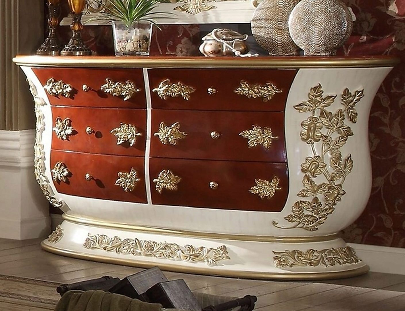 Traditional Classic HD-8019 Gilded Dresser by Homey Design