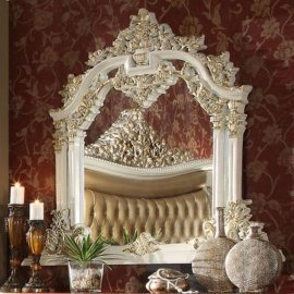 Traditional Classic Antique HD-8019 Mirror in White by Homey Design