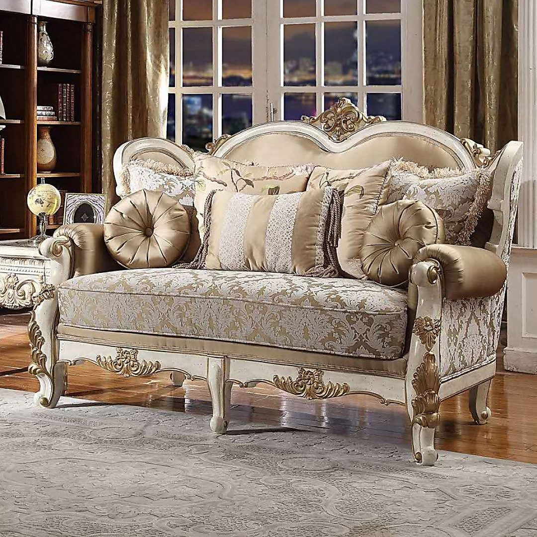 Traditional Loveseat in White Fabric Traditional Style Homey Design HD-2652