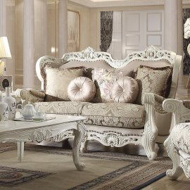 Traditional Loveseat in Beige Fabric Traditional Style Homey Design HD-2657