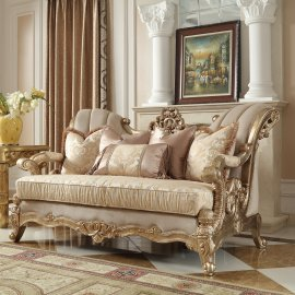Traditional Loveseat in Beige Fabric Traditional Style Homey Design HD-2663