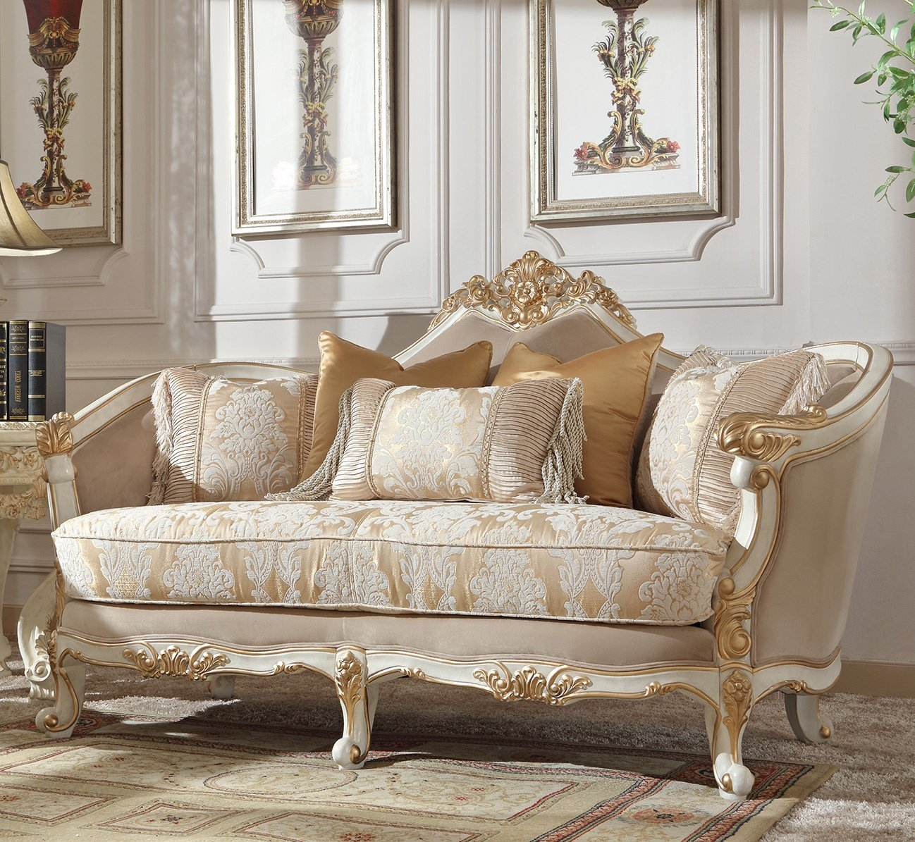 Traditional Loveseat in White Fabric Traditional Style Homey Design HD-2669