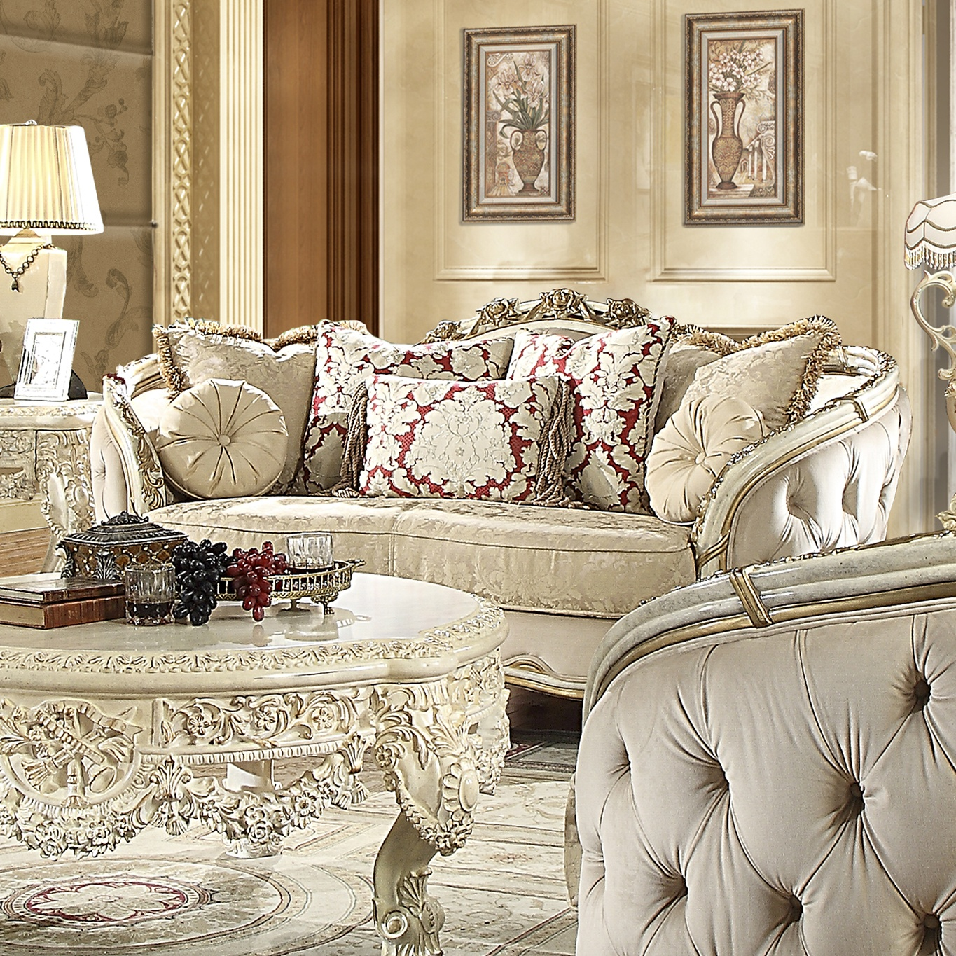 Traditional Loveseat in Beige Fabric Traditional Style Homey Design HD-7310