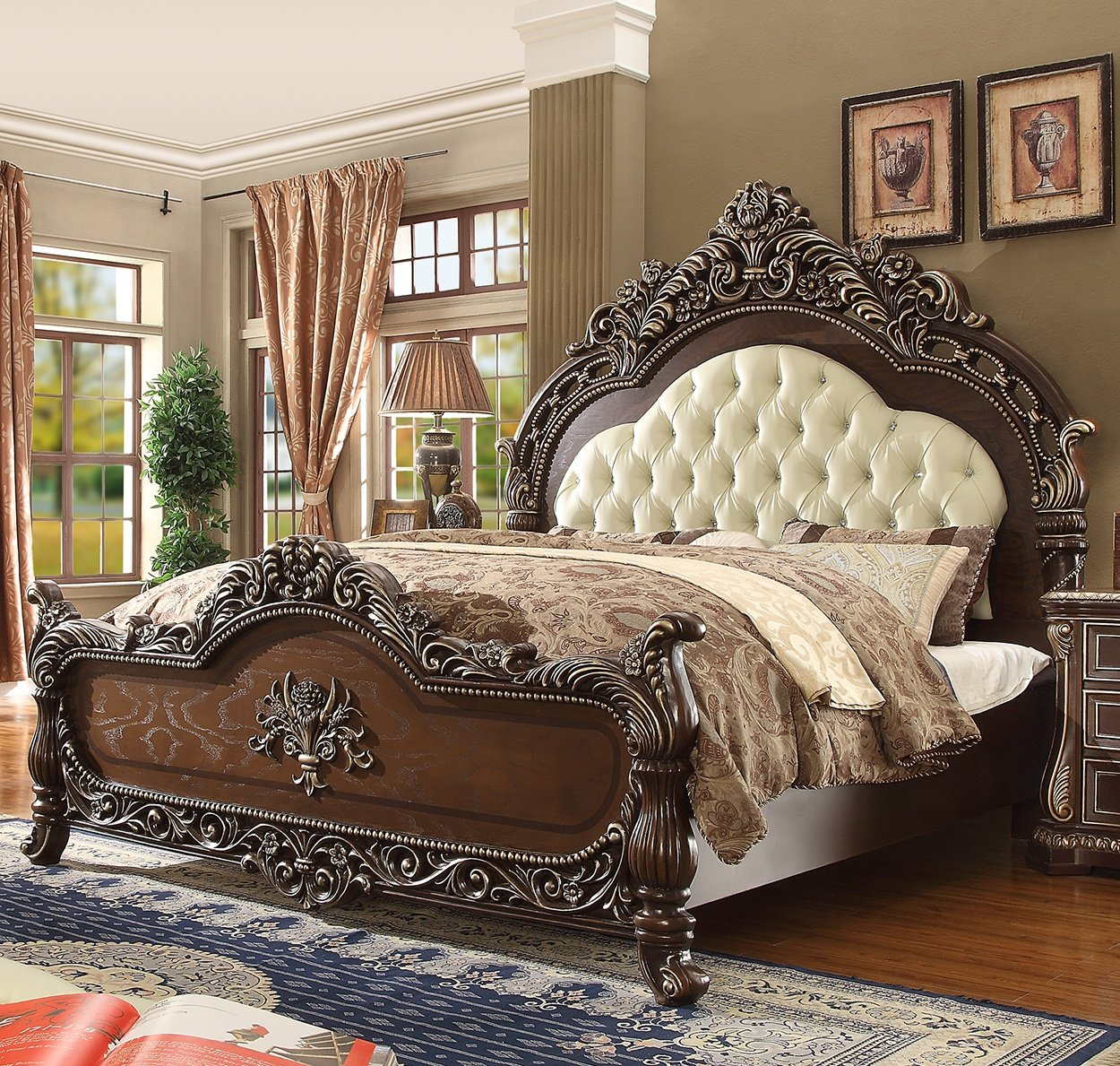 Traditional Bed in Brown Leather Traditional Style Homey Design HD-8013