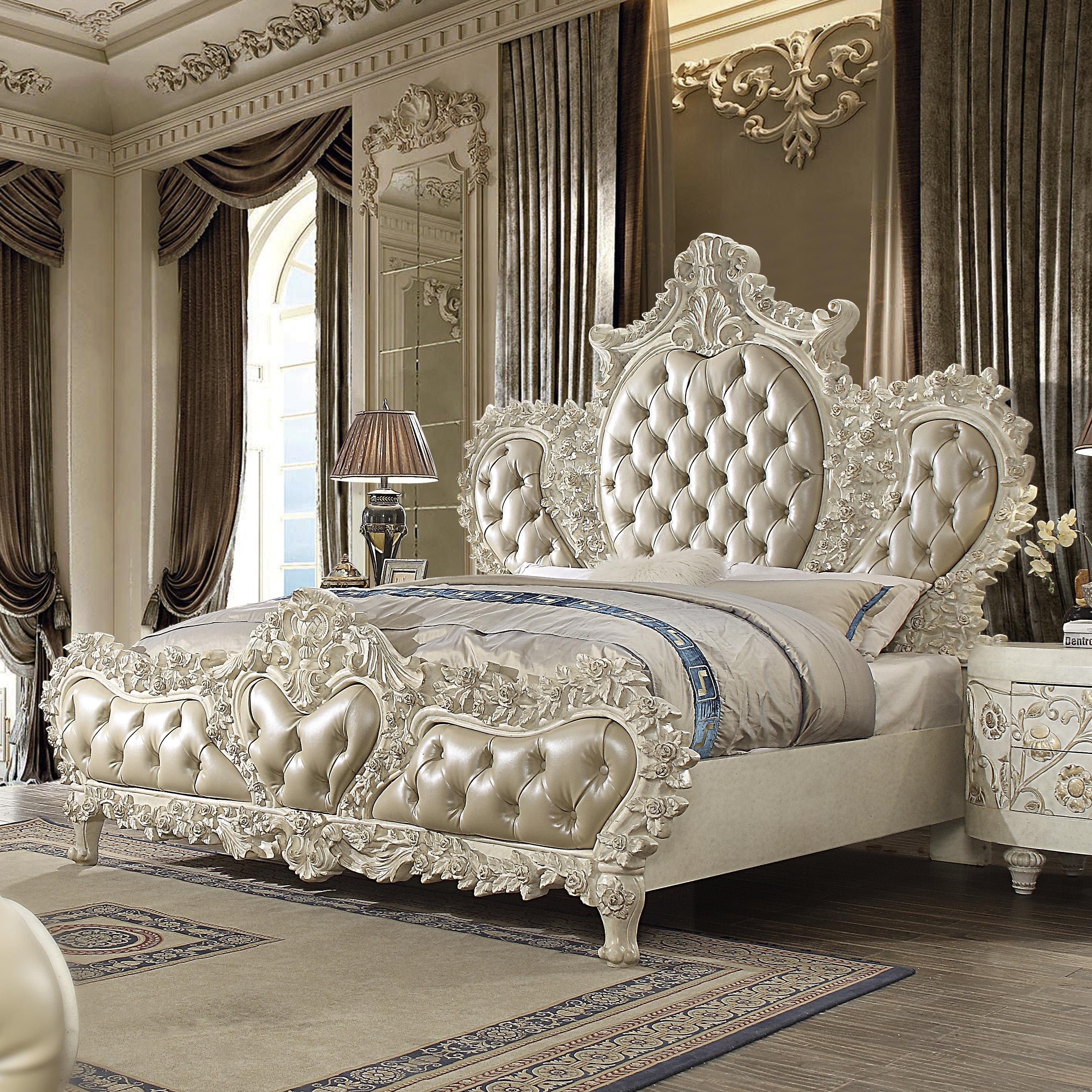 Traditional California King Bed in White Leather Traditional Style Homey Design HD-8030