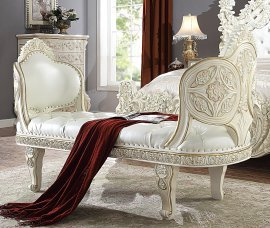 Traditional Bench in White Leather Traditional Style Homey Design HD-8089