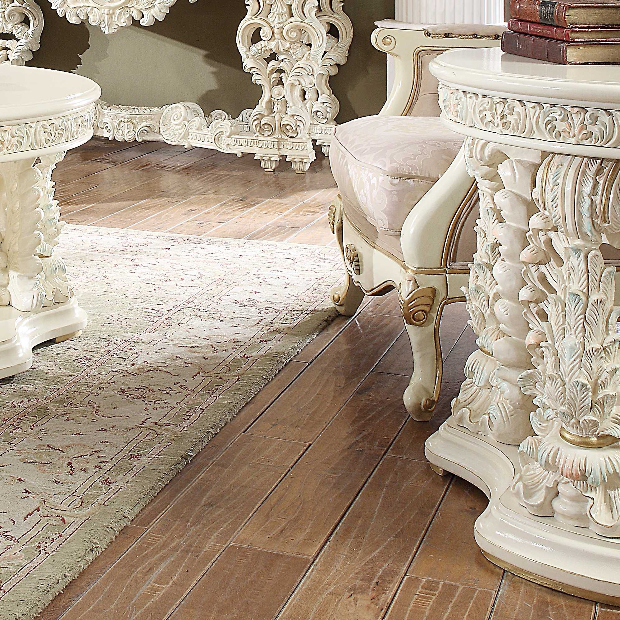 Traditional End Table in White Wood Traditional Style Homey Design HD-8089
