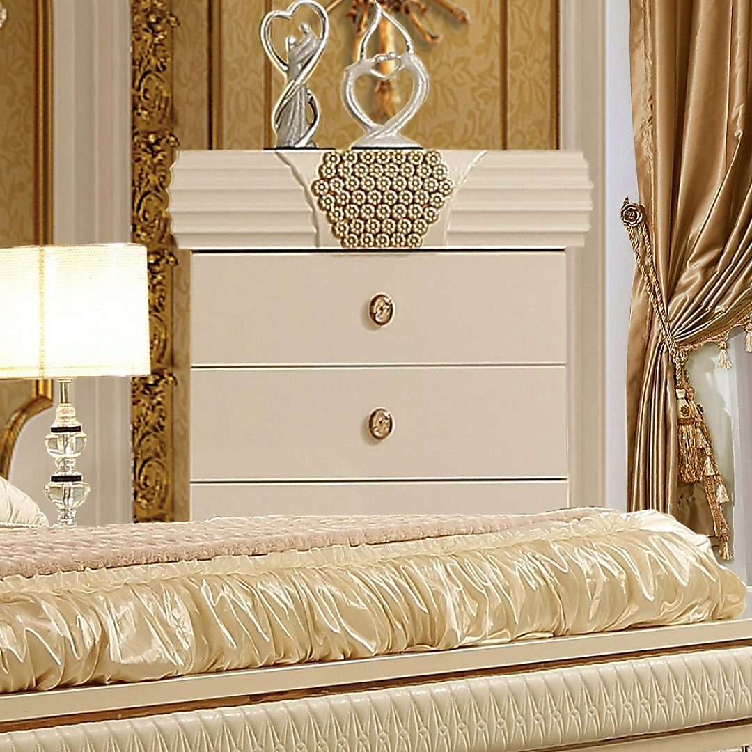 Traditional Chest in Beige Wood Traditional Style Homey Design HD-901
