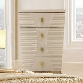 Traditional Chest in White Wood Traditional Style Homey Design HD-914