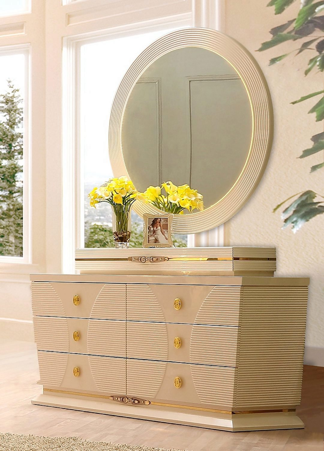 Traditional Dresser in White Wood Traditional Style Homey Design HD-914
