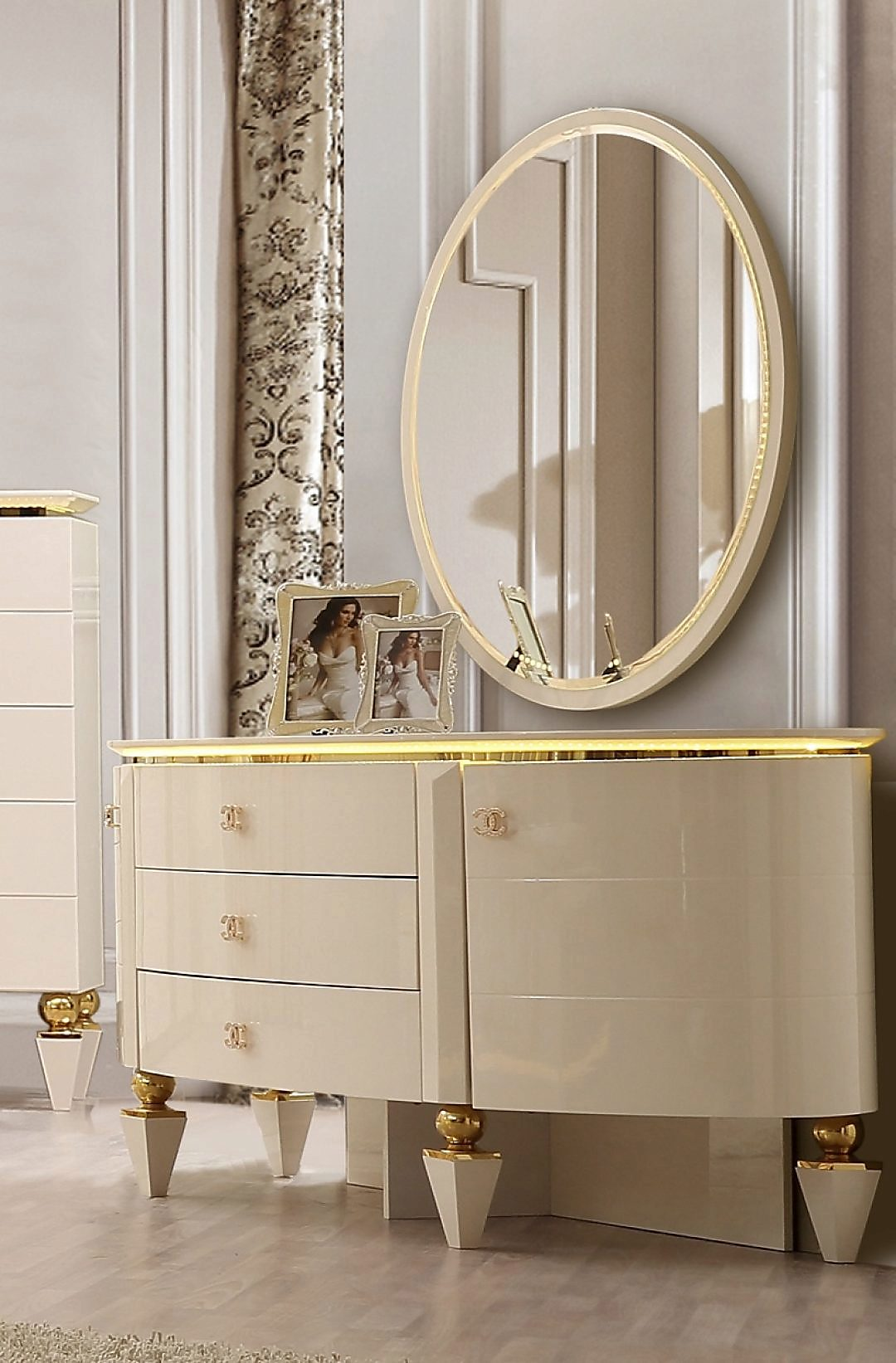 Traditional Dresser in White Wood Traditional Style Homey Design HD-9935