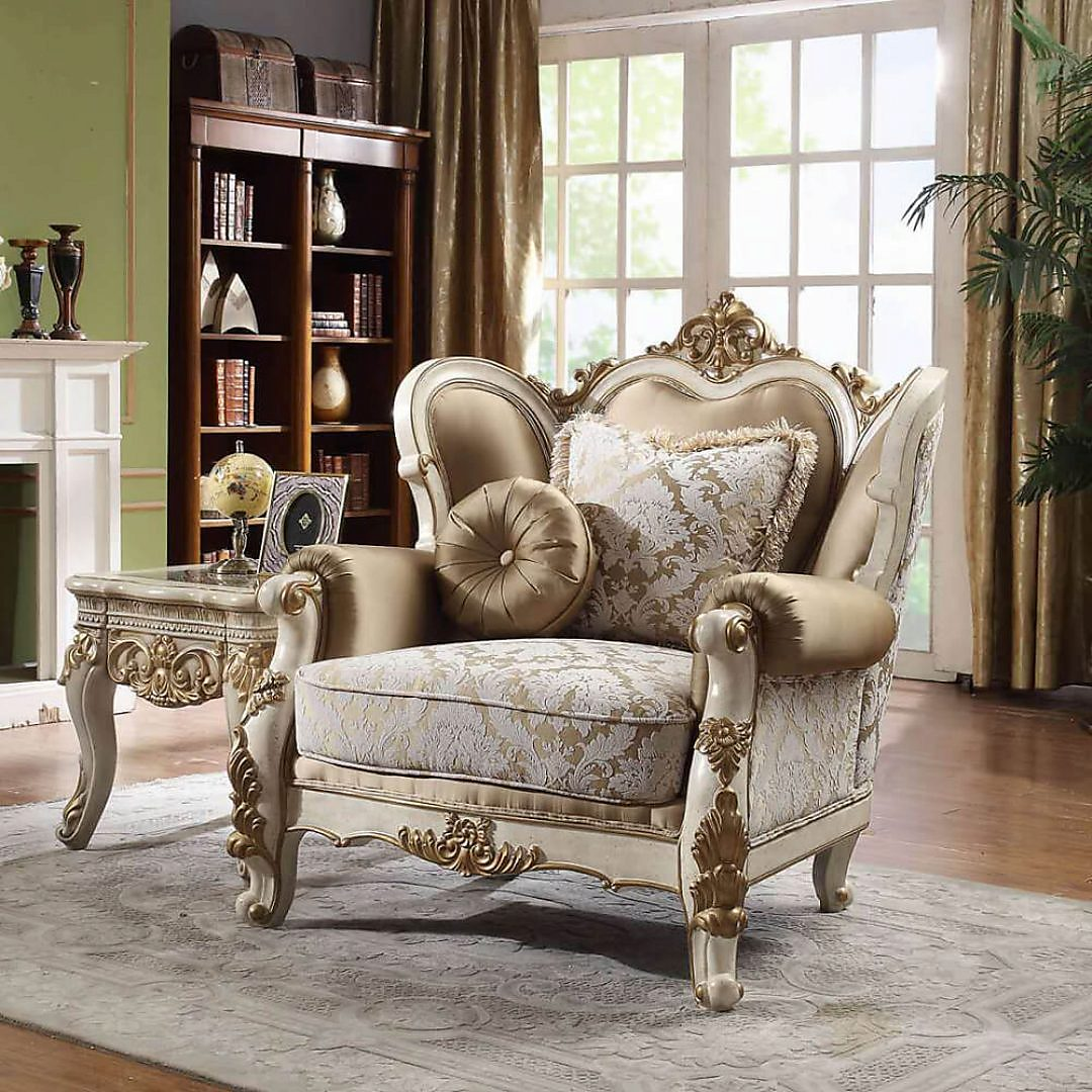 Traditional Chair in White Fabric Traditional Style Homey Design HD-2652